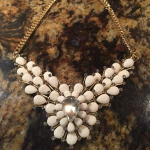 Francesca's Necklace chunky white with sparkles
